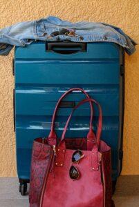 Bőrönd és táska